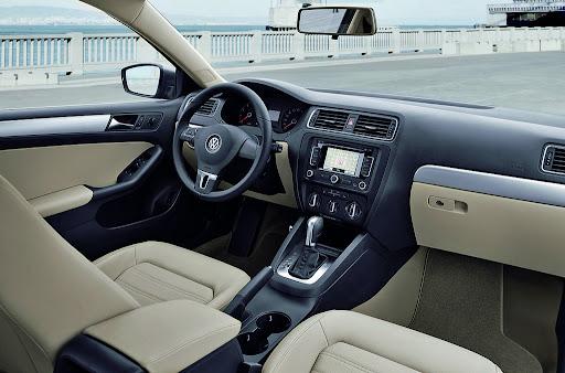 2011-Volkswagen-Jetta-25.jpg