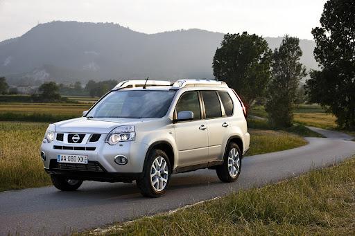 2010-Nissan-X-Trail-8.JPG