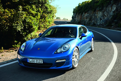 2011-Porsche-Panamera-S-Hybrid-02.jpg