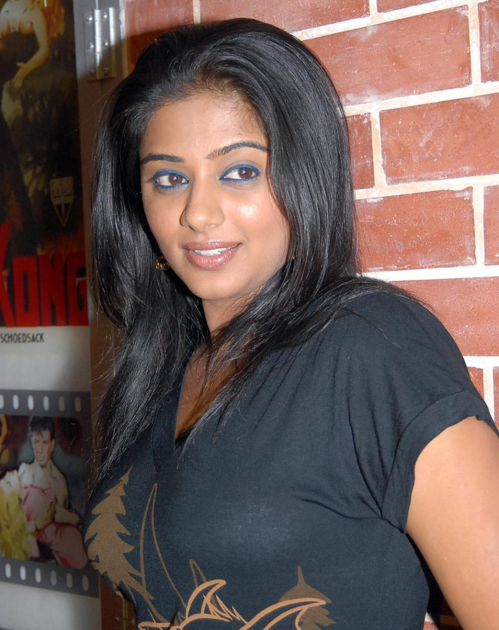priyamani shirt tight tamil bra actress latest boobs indian telugu desi bollywood unseen priya boob south wallpapers stills