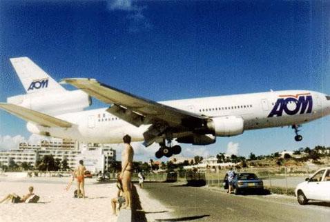 Pesawat Jatuh