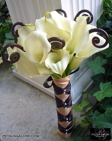 bouquet-217-lg petals galore