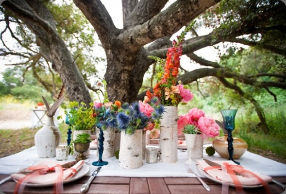 birch-bark-vases-gladiola-scabiosa-centerpieces-580x386 the sweetest occasion