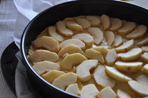 Avižinis pyragas su obuoliais