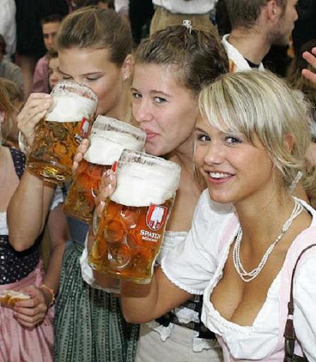 Bier%20M%C3%A4dchen.JPG