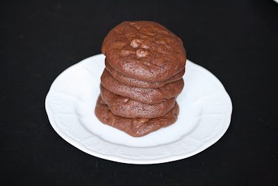 photo of a stack of five cookies on a plate