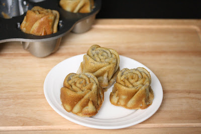 photo of three mochi roses on a plate