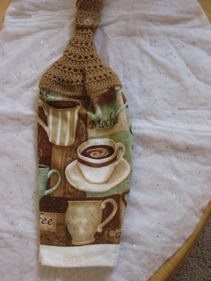 photo of brown coffee cup crochet kitchen towel