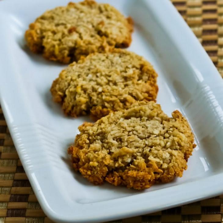 Low-Sugar Coconut Almond Macaroon Cookies