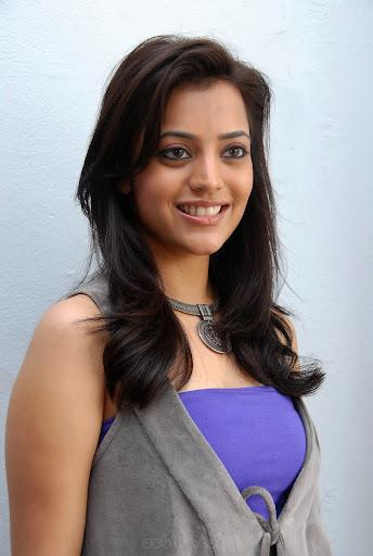 Nisha Agarwal  Haircut 2012-5661