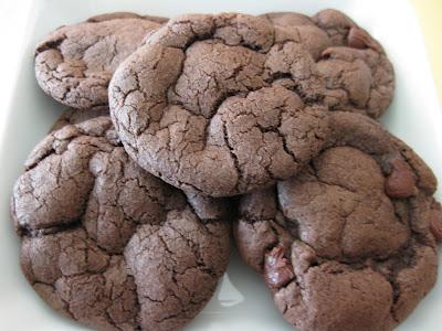 Chewy chocolate cakemix cookies