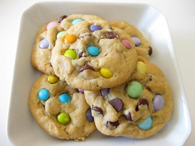 photo of a plate of springtime chocolate chip cookies
