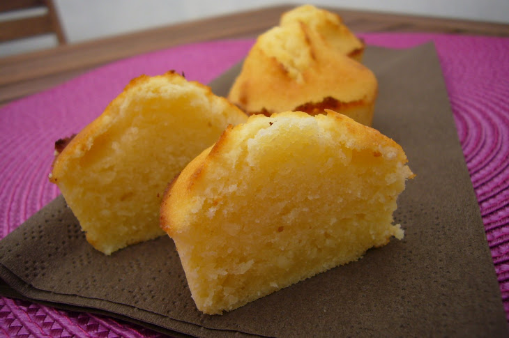 Fluffy Madeleines with Ricotta and Almonds Recipe