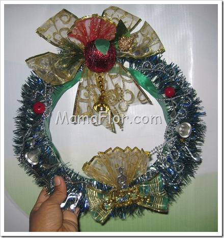 Navidad corona navidena para puertas o ventanas modelo ii for Guirnaldas navidenas para puertas y ventanas