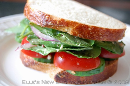 greek-salad-sandwich