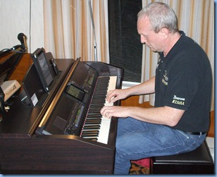 Guest artist Darren Smith playing the Yamaha Clavinova CVP-509