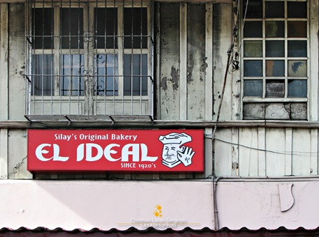 El Ideal's New Signboard Contrasting with the Structure's Old Material