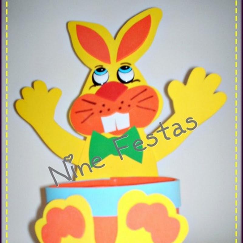 conejo de Pascua hecho en Goma Eva