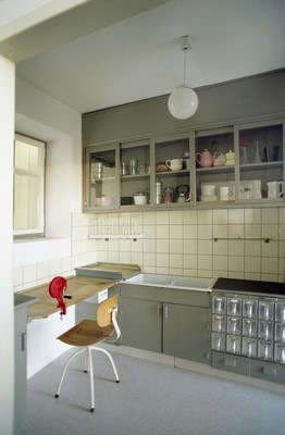 MARGARETE SCHUTTE-LIHOTZKY Kitchen design, 1926-1927