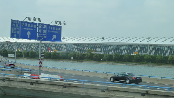 taxi pudong airport