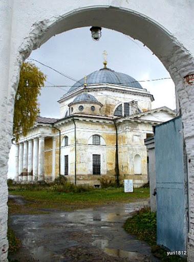 Монастырские ворота Торжок Monastic doors Torzhok photo yuri1812