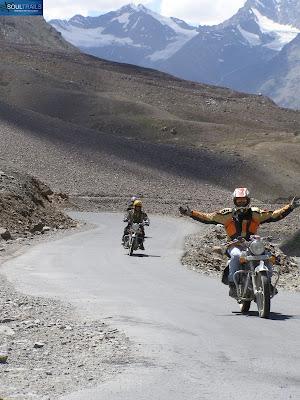 Riding to Sarchu