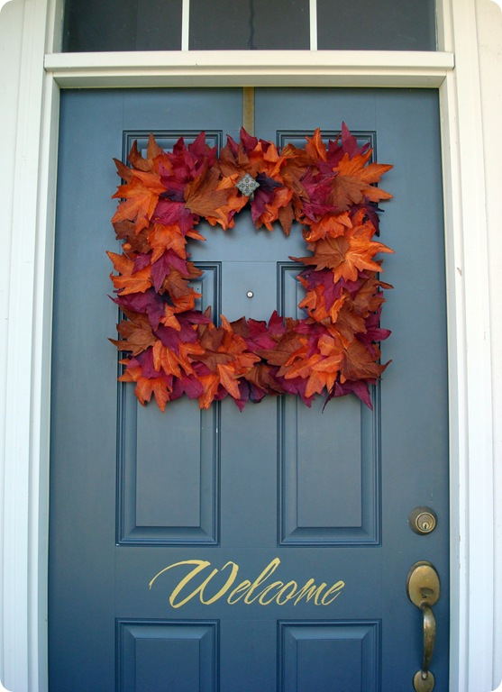 Pretty DIY fall leaf wreath