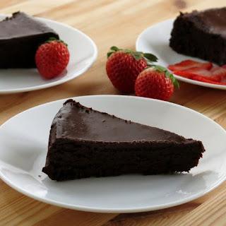 Flourless Chocolate Cake with Ganache Recipe