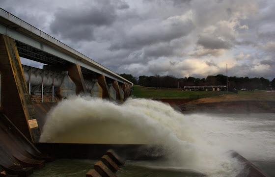 Scrivener Dam opens