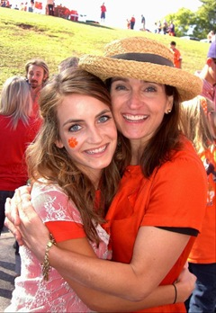 T and her mom Miami game
