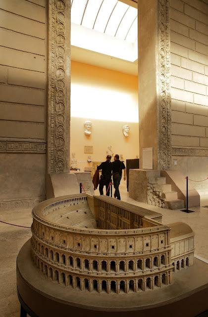 Museo de la Civilización Romana (Museo della Civiltà Romana), situado en la zona EUR.Roma, Italia.