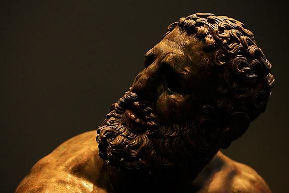Escultura romana. El boxeadorMuseo Palazzo Massimo alle TermeRoma, Italia