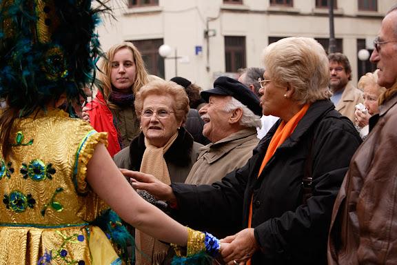 Carnaval de Tarragona, Divendres (24.02.2006)Visita del Carnestoltes i la Concubina al Mercat Central