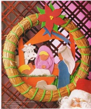 Corona Navidad Con Nacimiento Hecho En Goma Eva Felicitación Para