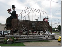 2 Rte 66 Abe Lincoln on Wagon Lincoln IL