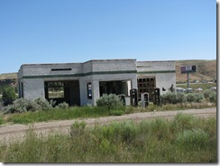 1548 Old Abandoned Garage on 1940's Lincoln Highway west of Green River WY