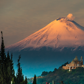 Snowy and smoking volcano by Cristobal Garciaferro Rubio - Landscapes Mountains & Hills ( snowy volcan, mexioc, cholula, peubla, popo, popocatepetl, smoking volcano )