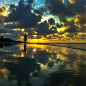 Beautiful sunset rays by Andrew Micheal - Landscapes Sunsets & Sunrises ( sunset, beach, sunrise, landscape, rays )