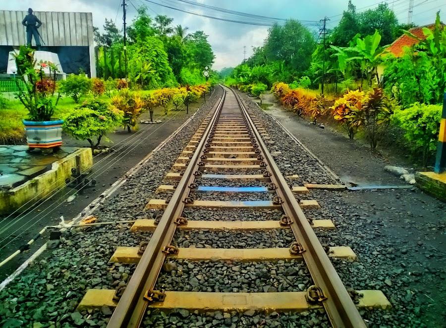 rel stasiun klakah by Dwi Haris Fitriansyah - Instagram & Mobile Other