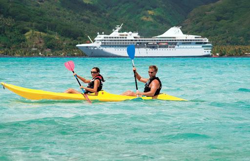 kayaking_Motu_Mahana - Enjoy the songs of the Paul Gauguin singers as they sing island tunes on Motu Mahana.