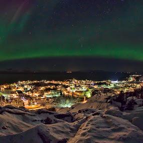 Home by Rune Nilssen - City,  Street & Park  Skylines ( k3, ky, aurora, dak, pentax, nordlys, norway, lodingen, nothlight, sky, winter, borealis, cold, snow, dark, nordland, town )