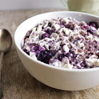 Blueberry Cheesecake Oatmeal {GF & Vegetarian}