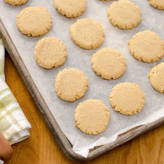 Paleo Hazelnut Cookies.