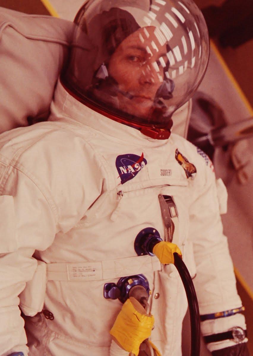 astronauts apollo 13 - 700×933