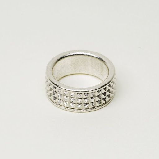 Studs Ring