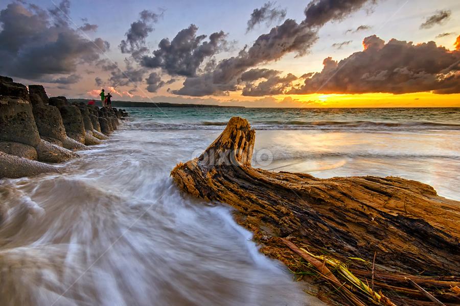 Stuck by Hendri Suhandi - Landscapes Beaches ( bali, tuban, sunset, kelan, beach )