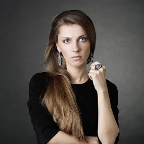 Irute by Mindaugas Navickas - People Portraits of Women ( studio, fotomindo.eu, mindaugas navickas, woman, beauty, portrait )