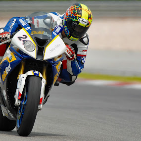 Superbike Rider by Zam Foto - Sports & Fitness Motorsports ( rider, wheel, speed, racing, superbike, motorcycle, motorcycle. moto, circuit, motorsport, fast, race,  )