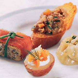 Potatoes Topped with Smoked Salmon and Fennel
