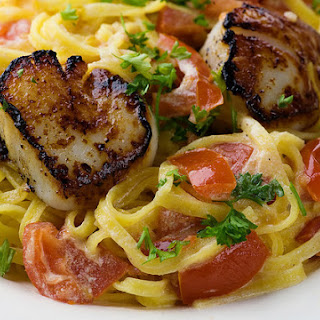 Pan-Seared Scallops on Linguine with Tomato Cream Sauce Recipe